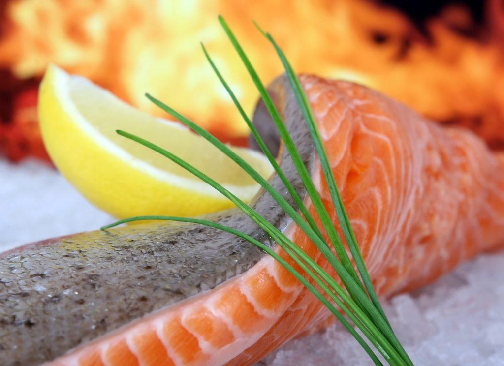 Bild halber Lachs zum Grillen