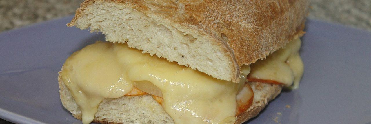 Bild Baguette mit Käse
